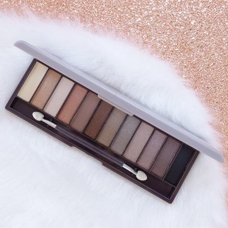 Make-up von Lovely Kosmetik